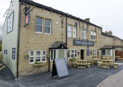 RED LION - 66 Rastrick Common, Brighouse